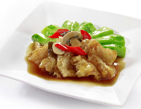 Braised Fish Maw with Angled Gourd